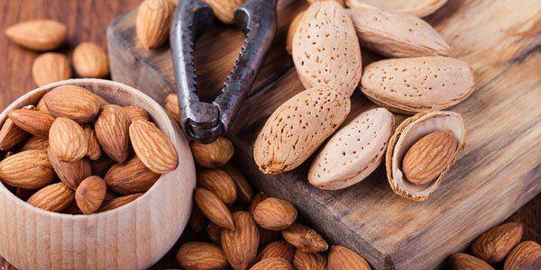 ¿Qué le sucede al cuerpo si comemos 30 gramos de almendras al día?