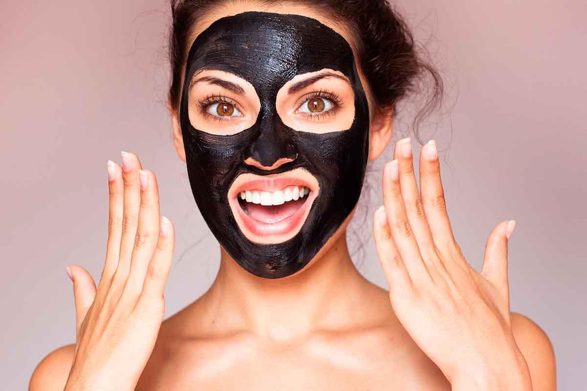 Black Clay: qué es, para qué sirve y cómo usarlo en la cara