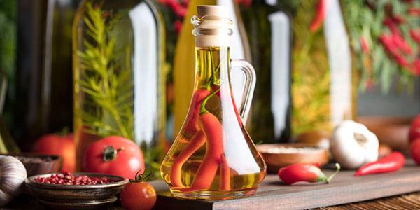 Cómo conservar la pimienta (en aceite de oliva, vinagre y aceite de soja)