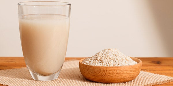 taza de arroz de agua