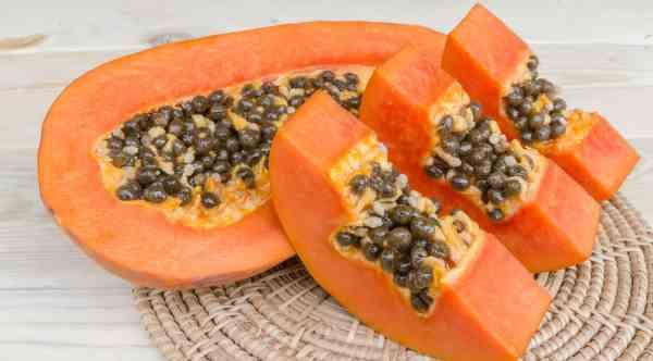 Cómo usar la semilla de papaya para eliminar los parásitos intestinales
