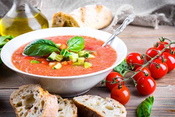Gazpacho: la receta original y otras 10 variantes