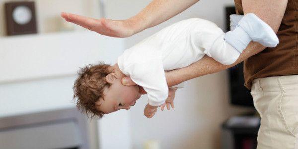 Maniobra de Heimlich: cómo desconectar a un niño y salvar su vida