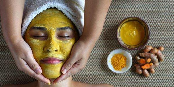 Mascarilla facial de cúrcuma: 10 recetas para una piel limpia y espléndida