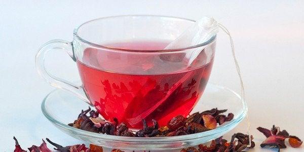 Té de hibisco → Beneficios, contraindicaciones y cómo
