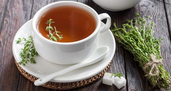 té de tomillo